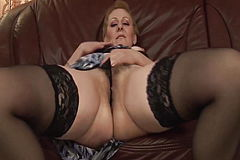 Plump Mommy bigcock screwed by her toyboy