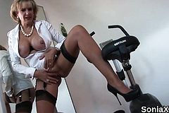 Unfaithful Brit Mature Dame Sonia Exposes Her strenuous hooters