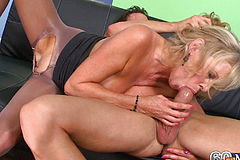 Fucking 60 year old GILF creampie