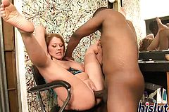 Lusty Cougar has her taut fuckbox beaten