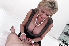 Unfaithful english Mummy Female sonia demonstrates off Her Hefty ju