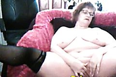 Intense Orgasm With Amateur Mature On Webcam