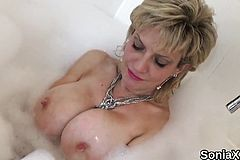 Unfaithful Uk mature lady sonia Exposes her heavy boobies15G
